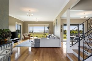 LUXURY WATERFRONT FAMILY HOME-TASMANIA I-L'Abode - Accommodation Find