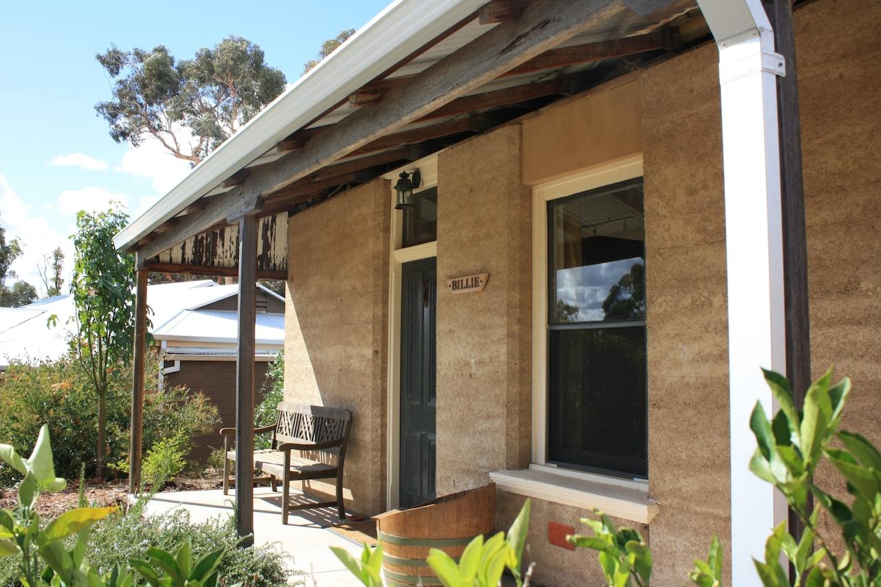 Hotham Ridge Winery and Cottages - Accommodation Find