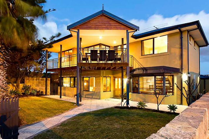Mullaloo Beachfront Retreat - Accommodation Find