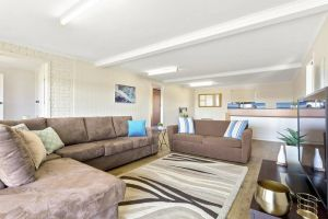 SEASIDE SERENITY 2 - L'Abode Accommodation - Accommodation Find