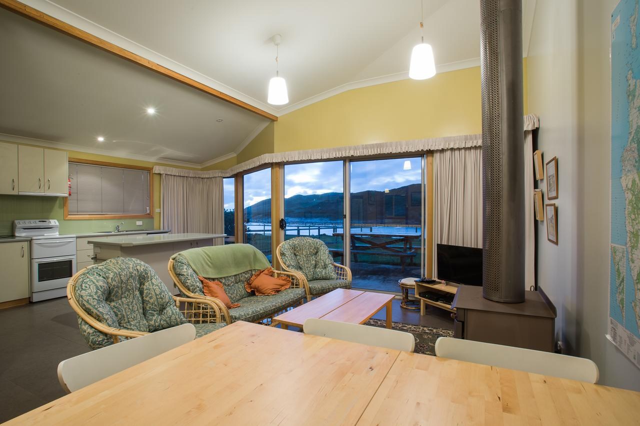 Arthur Riverfront and Sea Lodge downstream - Accommodation Find