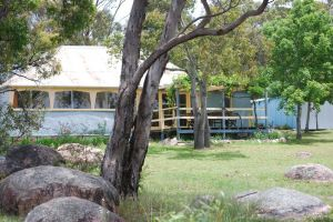 Twisted Gum Vineyard Cottage - Accommodation Find