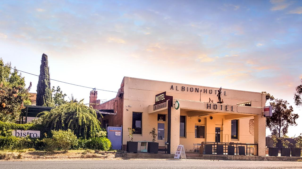 Albion Hotel and Motel Castlemaine - Accommodation Find