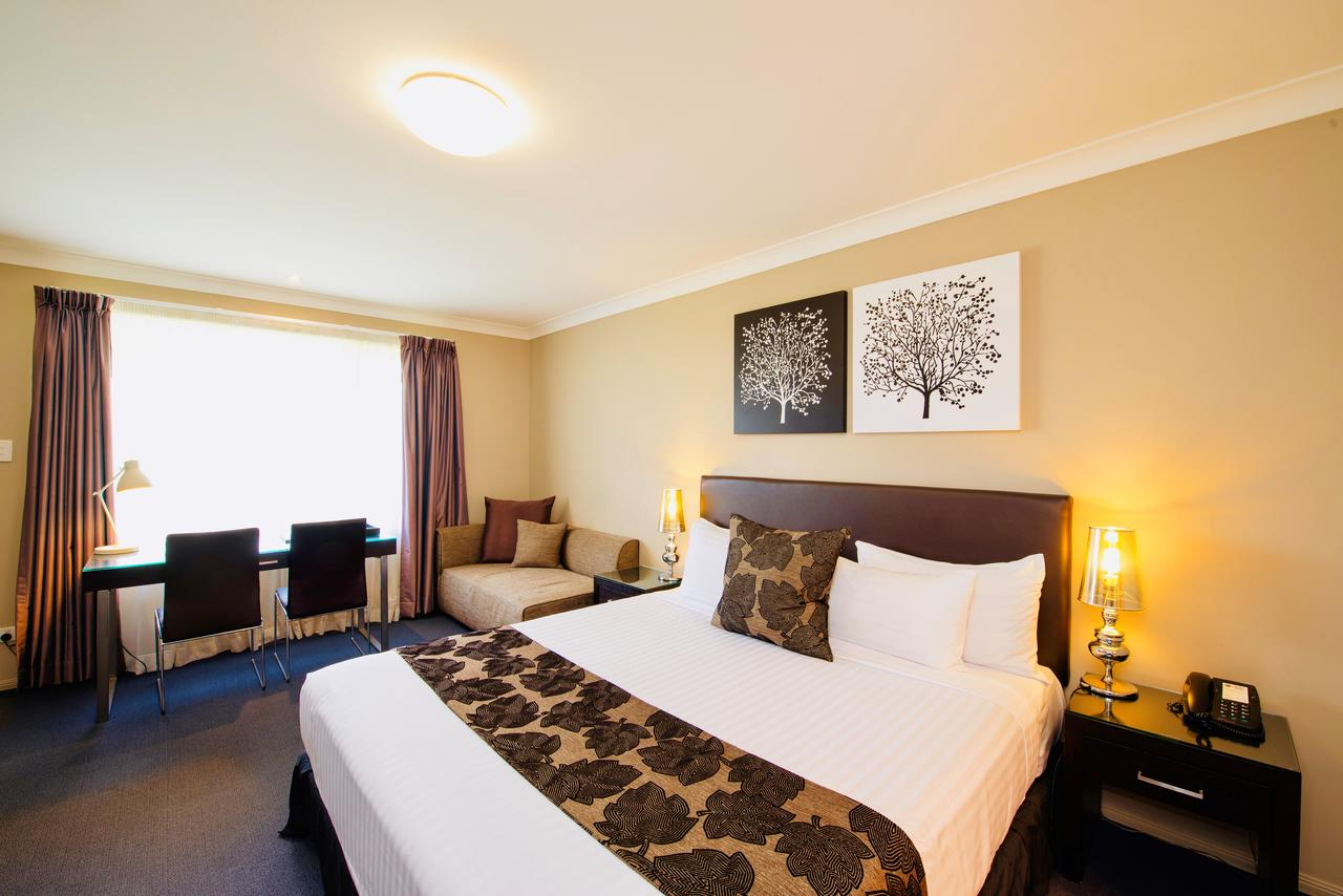 Best Western Plus Ambassador On Ruthven Motor Inn - Accommodation Find